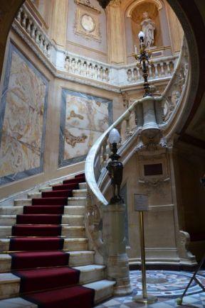 110 Treppe von unten