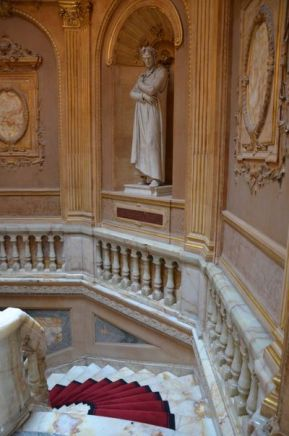 81 Vergil Dante Petrarqua im Treppenhaus