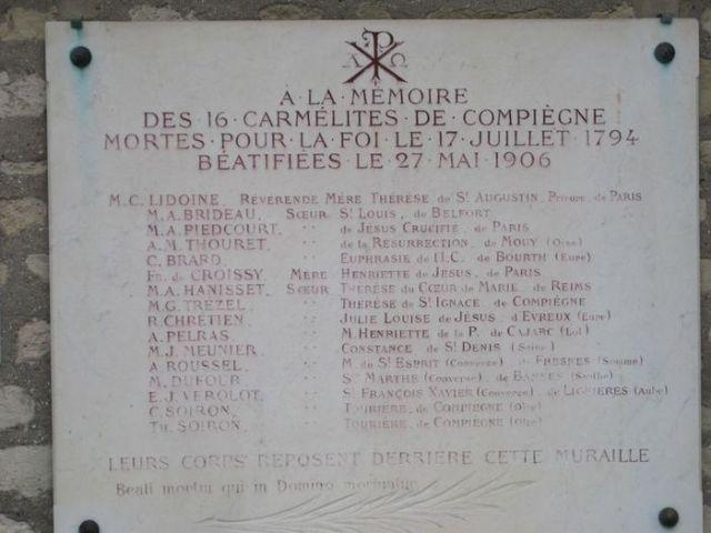 Picpus Karmeliter Grabplatte