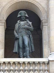 225px-statue_aux_invalides