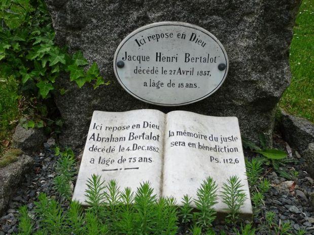 DSC00255 Dornholzhausen Friedhof Mai 2018 (7)