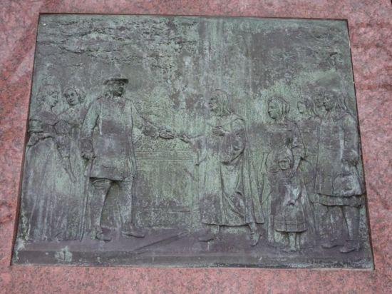 DSC02051 Landgrafendenkmal Bad Homburg (2)