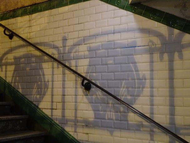 DSC03062 Guimard Metro Eingang (3)