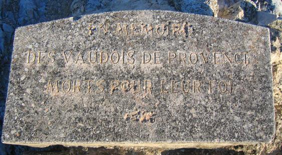 Merindol-Memorial_Sign