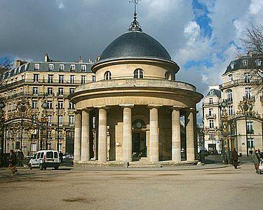 375px-Parc_Monceau_-_La_Rotonde_02-03-06