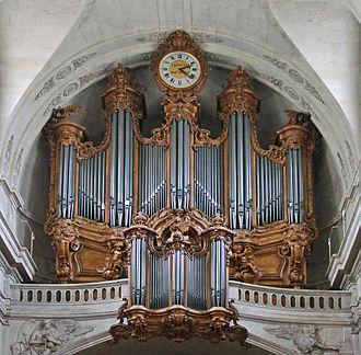 330px-Les_grandes_orgues_historiques_de_l'église_SAINT-ROCH_(Paris)