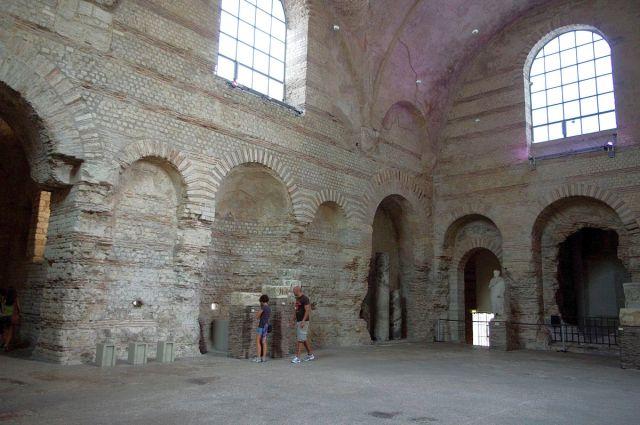 Musee-Cluny-frigidarium_02